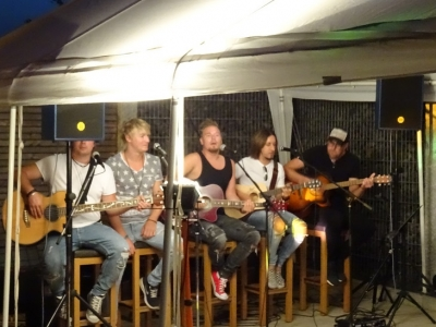 Unplugged & privat - SHARK in Elchingen